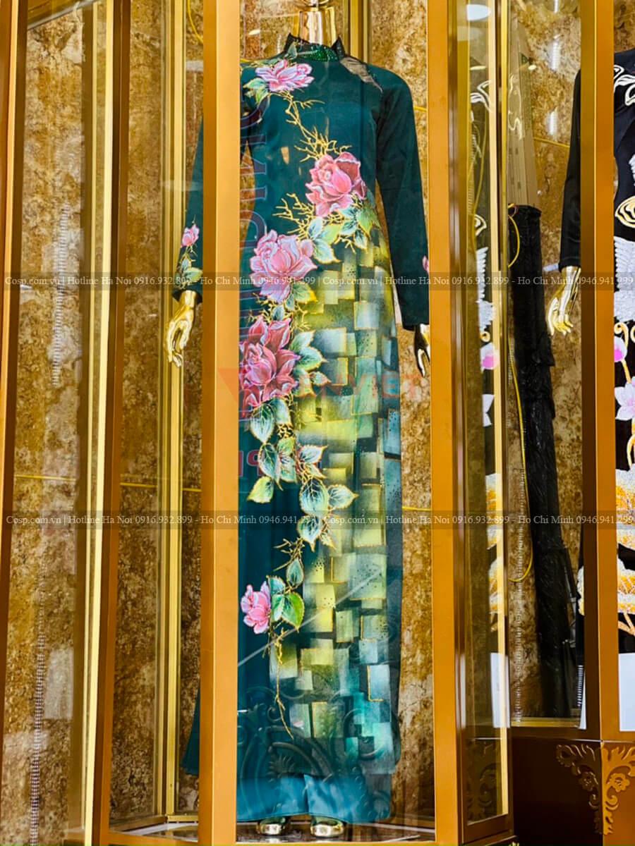 Thực tế lồng trưng bày mannequin ở vị trí cầu thang