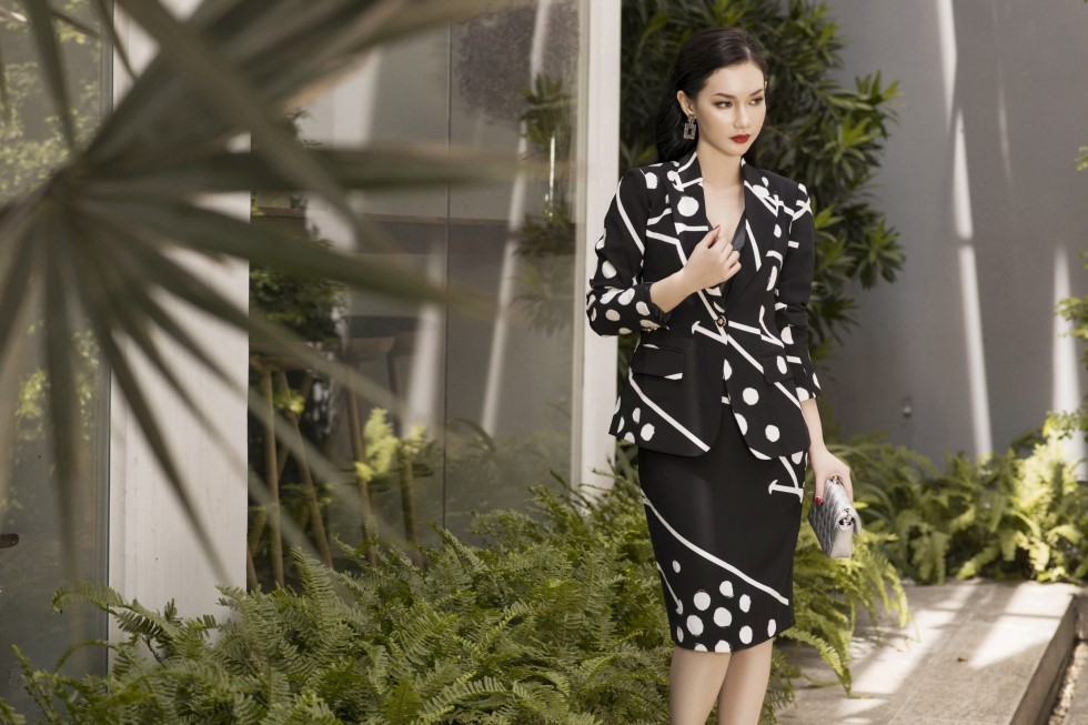 MC Quỳnh Chi trong trang phục Elise