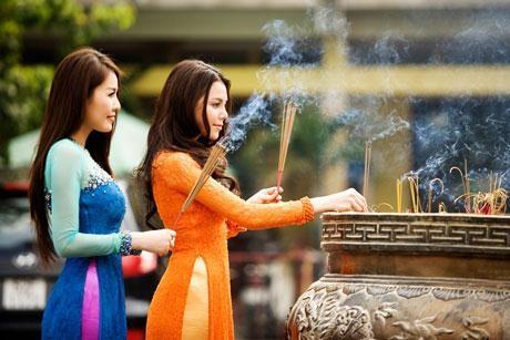 Tục lệ cúng cô hồn là nét văn hóa tâm linh lâu đời của nước ta