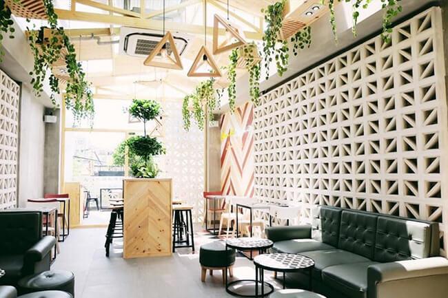 Thiết kế quán trà sữa độc đáo tận dụng ánh sáng tự nhiên