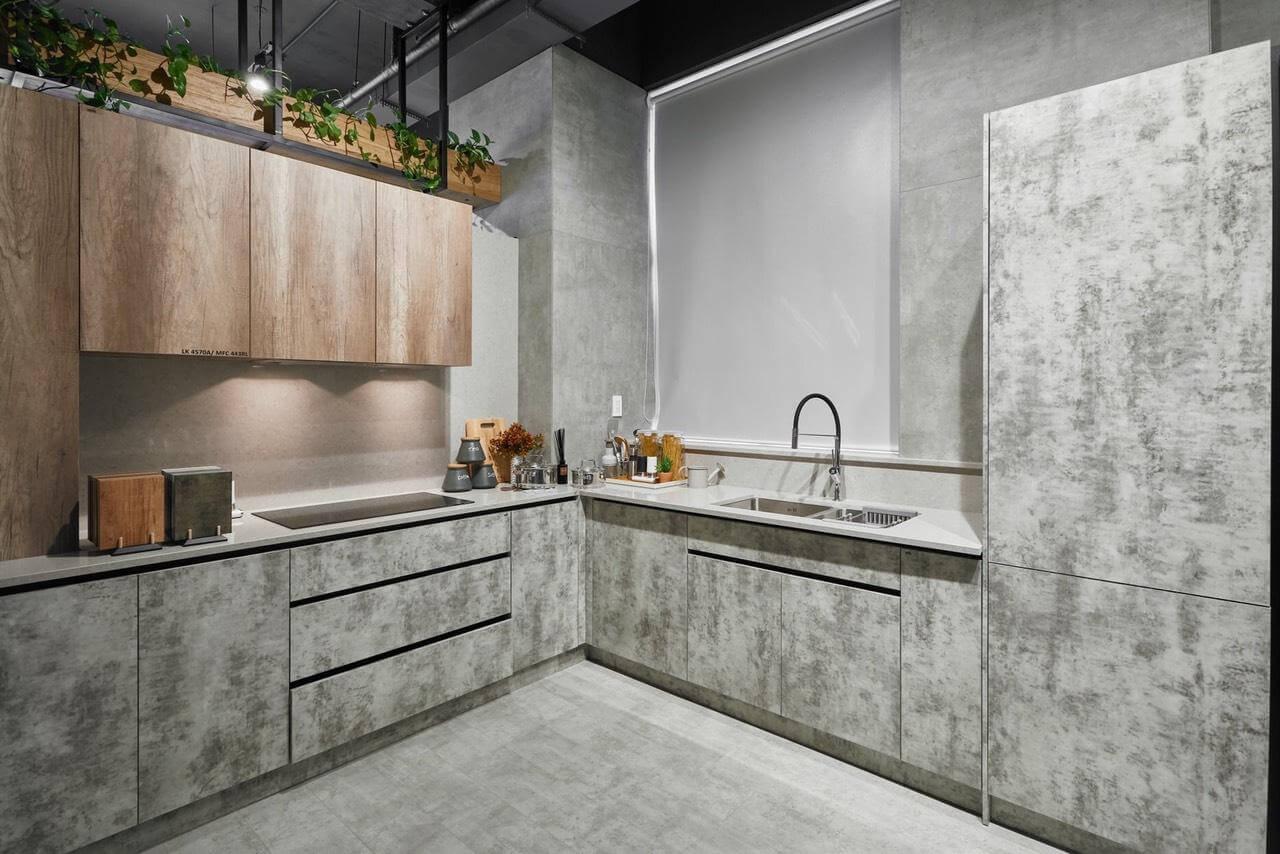 Vật liệu này cũng được dùng trong các bề mặt tủ bếp, lavabo
