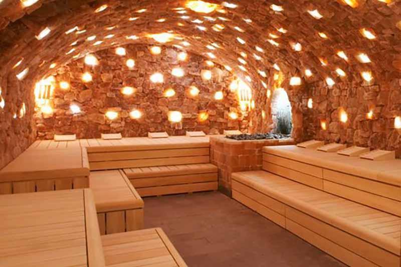 Các phòng xông hơi là điểm đặc trưng nhất trong thiết kế spa phong cách Hàn Quốc